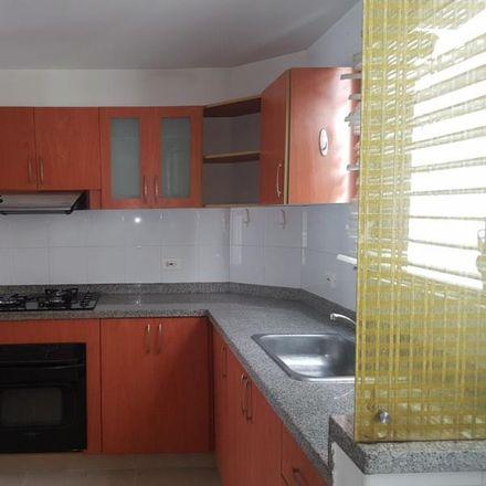 Rent this 4 bed apartment on Parada MIO - Calle 10 Oeste entre Carrera 37 y 36C in Calle 10 Oeste, Comuna 19