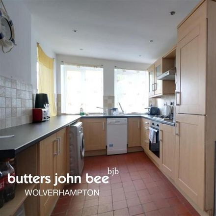 Rent this 3 bed house on Compton Road in Wolverhampton WV3 9PS, United Kingdom