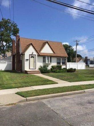 Rent this 2 bed apartment on 3 Charles Street in Merrick, NY 11566
