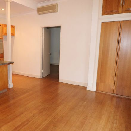 Rent this 1 bed apartment on 1/33-35 Rowe Street