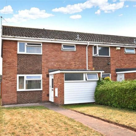 Rent this 3 bed house on Aggborough Crescent in Wyre Forest DY10 1LG, United Kingdom