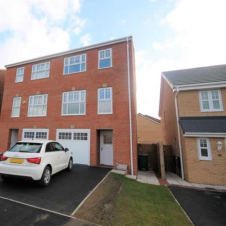 Rent this 3 bed house on George Stephenson Boulevard in Stockton-on-Tees TS19 8NT, United Kingdom