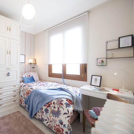 Rent this 5 bed room on Ibaiondo in Bilbao, Basque Country