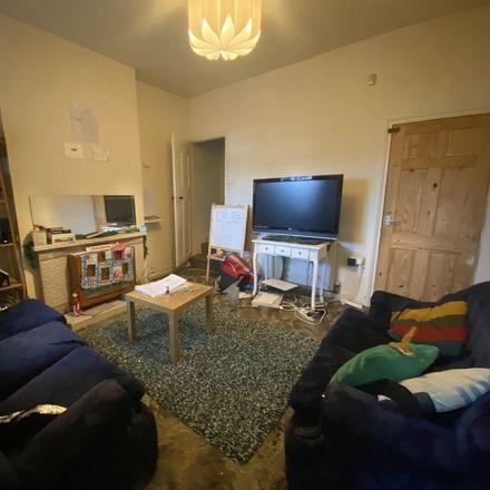 Rent this 3 bed room on 70 Alton Road in Birmingham B29 7DX, United Kingdom