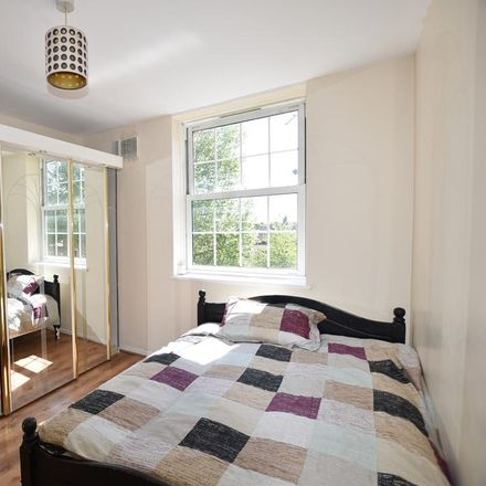 Rent this 1 bed room on Becklow Road in London W12 9ER, United Kingdom