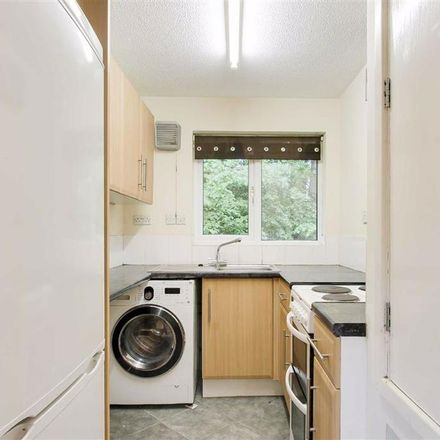 Rent this 1 bed apartment on Denmead in Wolverton MK8 8JA, United Kingdom