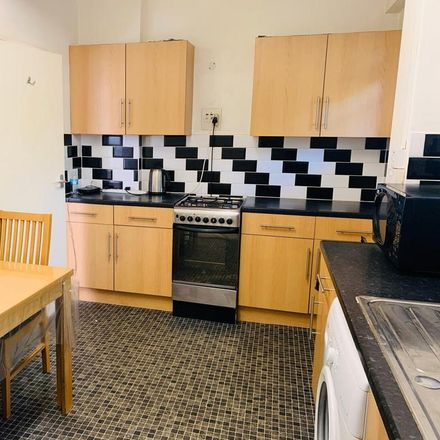 Rent this 1 bed room on Mile End Road in Ansell House, London E1 4UX