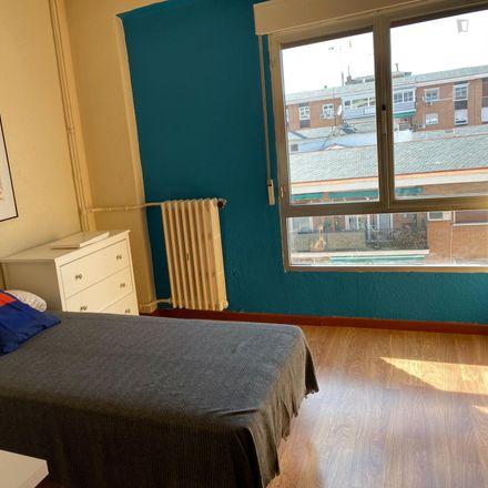 Rent this 4 bed apartment on Calle de Juan Duque in 28001 Madrid, Spain