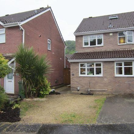 Rent this 3 bed house on Lauriston Park in Cardiff, United Kingdom