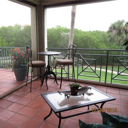 Rent this 2 bed condo on Osprey Dr S in Saint Petersburg, FL