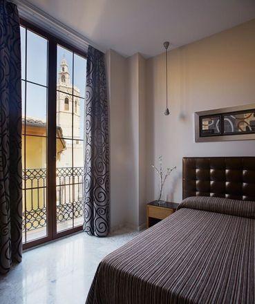 Rent this 4 bed apartment on arroceria la Valenciana juristas in Carrer dels Juristes, 46003 Valencia