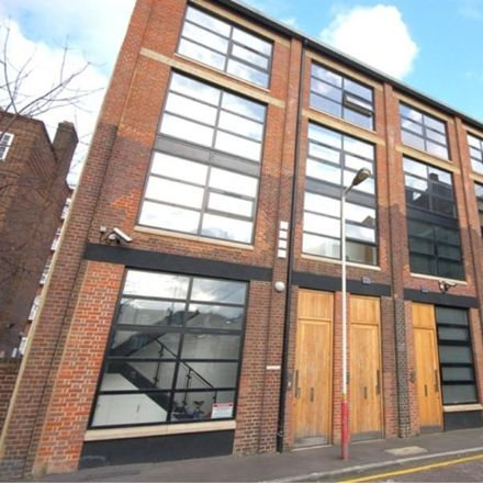 Rent this 3 bed apartment on 238 Kennington Lane in London SE11 5RD, United Kingdom