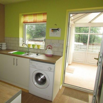 Rent this 2 bed house on Redfern Way in Rochdale OL11 5NZ, United Kingdom