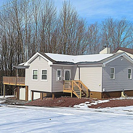 Rent this 3 bed house on Grandview Dr in Lake Ariel, PA