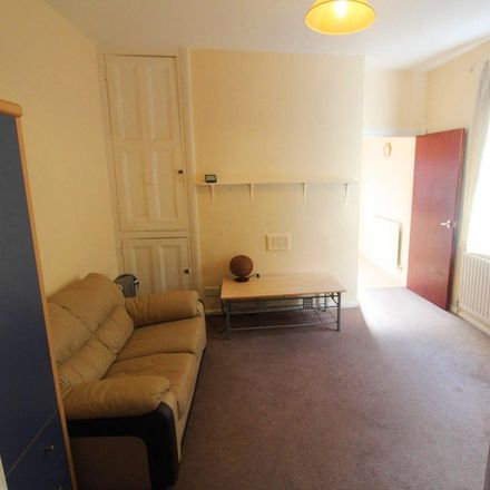 Rent this 0 bed apartment on 16 Milner Road in Nottingham NG5 2ES, United Kingdom