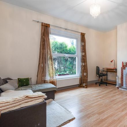 Rent this 3 bed house on Woodhill in London SE18 5HT, United Kingdom