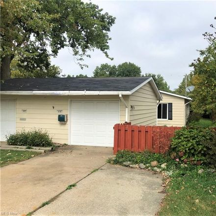 Rent this 3 bed duplex on Sprague Rd in Columbia Station, OH