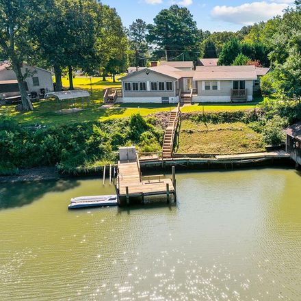 Rent this 3 bed house on 75 Merganser Ct in Montross, VA