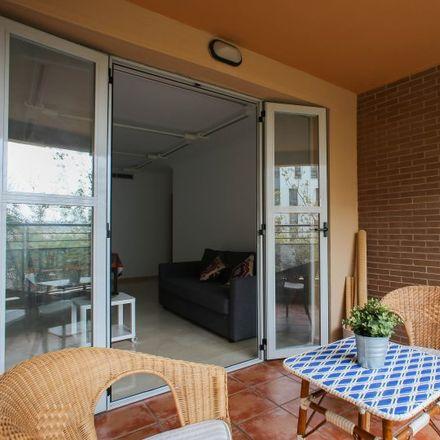 Rent this 1 bed apartment on Carrer del Poeta Josep Cervera i Grifol in 46013 Valencia, Spain