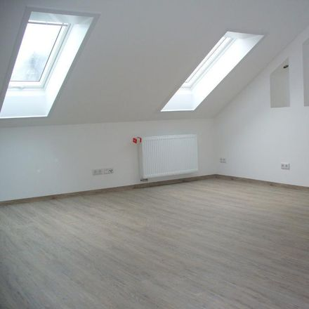 Rent this 4 bed apartment on Jeans Live in Jägerstraße 11, 09212 Limbach-Oberfrohna