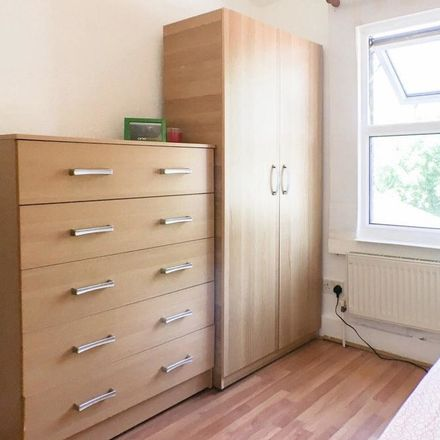 Rent this 5 bed room on Meyrick Road in London NW10 2EL, United Kingdom