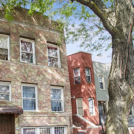 Rent this 6 bed townhouse on 6 Jardine Place in New York, NY 11233