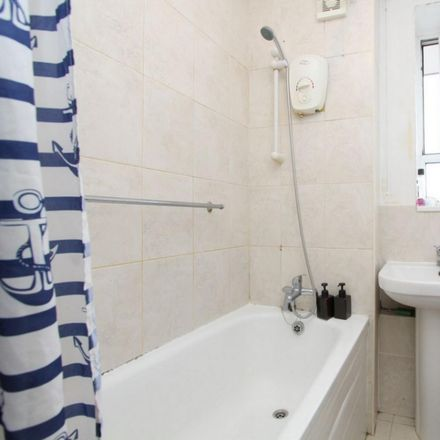 Rent this 6 bed room on Ashcombe House in Talwin Street, London E3 3EB