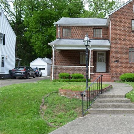 Rent this 3 bed apartment on 2914 Noyes Avenue in Charleston, WV 25304