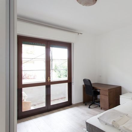 Rent this 5 bed room on Torre Snorky in no, 20127 Milan Milan