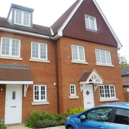 Rent this 3 bed house on Gate House Place in Watford WD18 7BY, United Kingdom