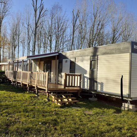 Rent this 3 bed house on Le Domaine de Dugny in Route de Chambon, 41150 Veuzain-sur-Loire