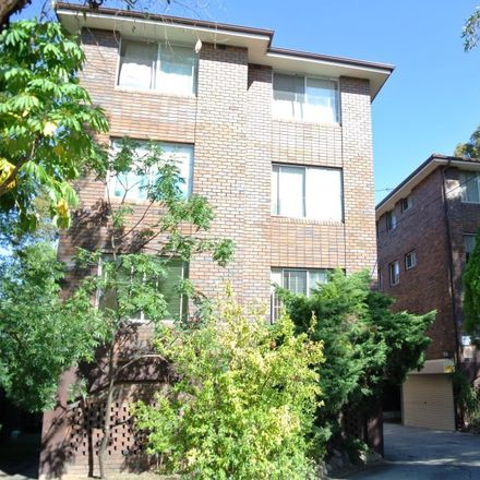 Rent this 1 bed apartment on 5/19-21 The Crescent