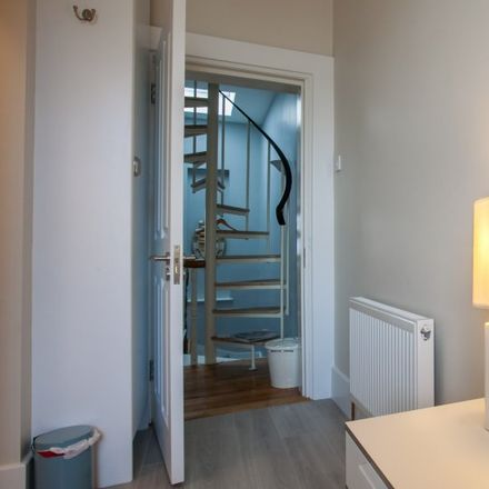 Rent this 3 bed apartment on 39 Brookfield Place in Newtown Blackrock, Blackrock