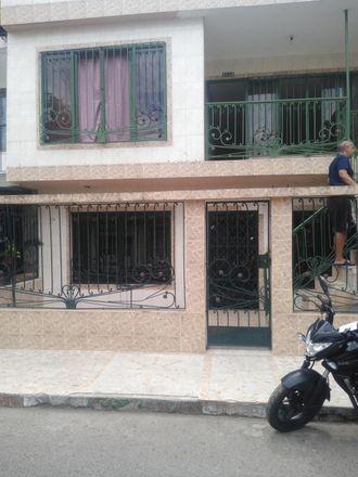 Rent this 3 bed apartment on Carrera 31 in Comuna 11, 760020 Perímetro Urbano Santiago de Cali