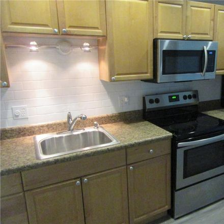Rent this 2 bed condo on 59th St N in Saint Petersburg, FL