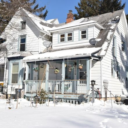 Rent this 5 bed duplex on 705 Arcadian Avenue in Waukesha, WI 53186