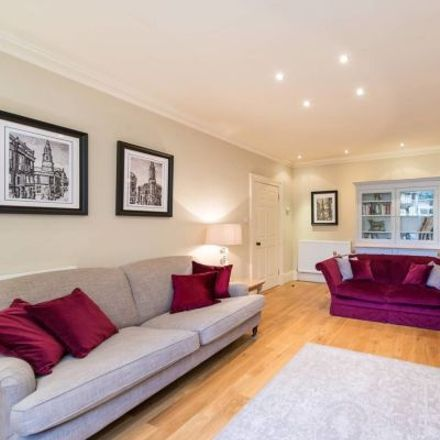 Rent this 3 bed apartment on 13 Carlton Terrace in City of Edinburgh, EH7 5DD