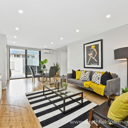 Rent this 2 bed apartment on 20/3-5 Anselm Street