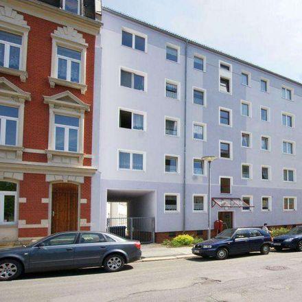 Rent this 3 bed apartment on Friedrich-Engels-Straße 19 in 08523 Plauen, Germany