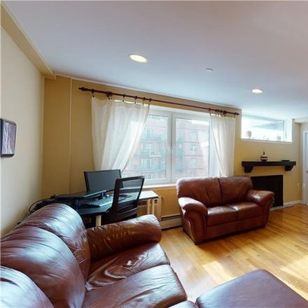 Rent this 3 bed condo on 3411 Guider Avenue in New York, NY 11235