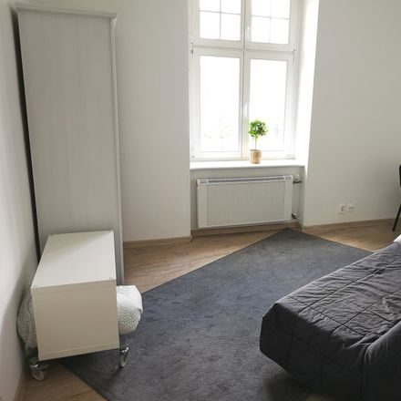 Rent this 5 bed room on Raciborska in 40-074 Katowice, Poland