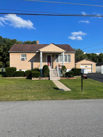 Rent this 3 bed house on N Forrest Rd in Beckley, WV