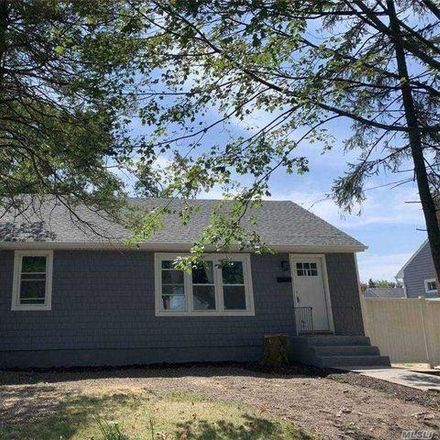 Rent this 3 bed house on 138 Davidson Street in Wyandanch, NY 11798