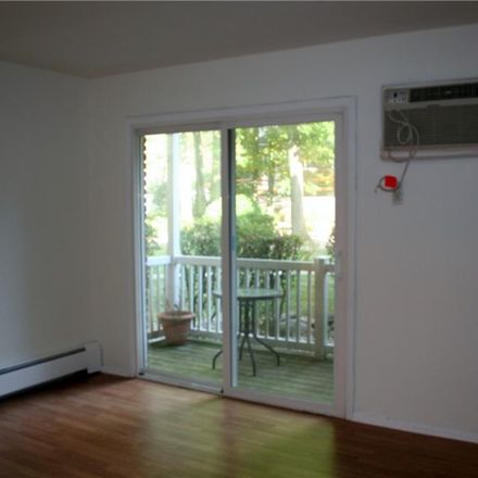 Rent this 1 bed apartment on 201 Doxbury Lane in Suffern, NY 10901