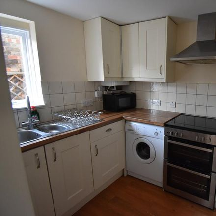 Rent this 2 bed house on The Saracen's Head in Railway Place, East Hertfordshire SG13 7JT