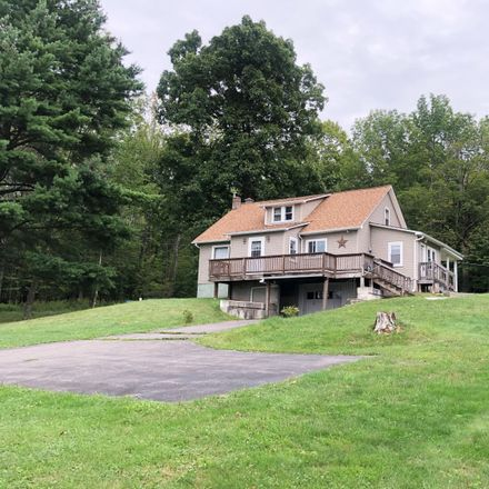Rent this 3 bed house on Ski Run Rd in Honesdale, PA