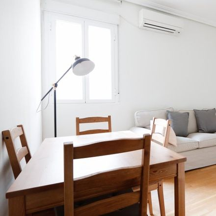 Rent this 3 bed apartment on Restaurante La Gaditana in Calle de Lombia, 28001 Madrid