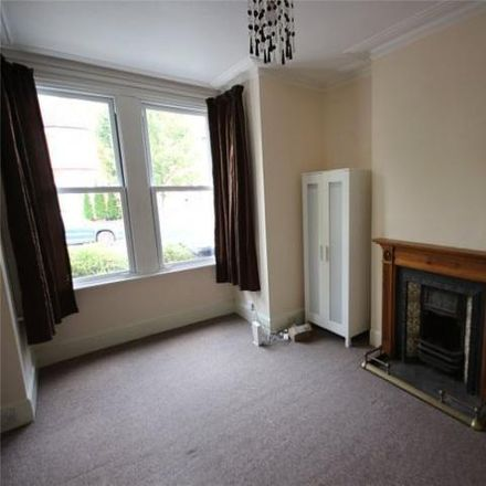 Rent this 3 bed house on York Road in London N11 2TE, United Kingdom