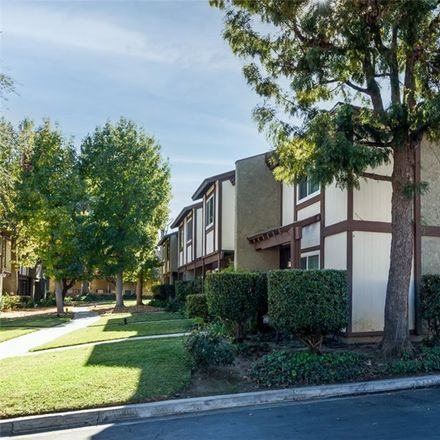 Rent this 3 bed townhouse on 19024 Archwood Street in Los Angeles, CA 91335
