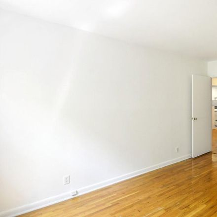 Rent this 1 bed apartment on 530 East 89th Street in New York, NY 10128